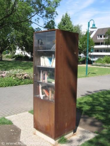 Offener Bücherschrank - books outdoor - Bücher draussen