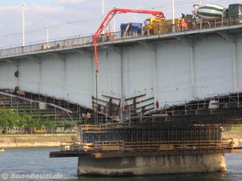 Beton Brückenpfeiler Beuel