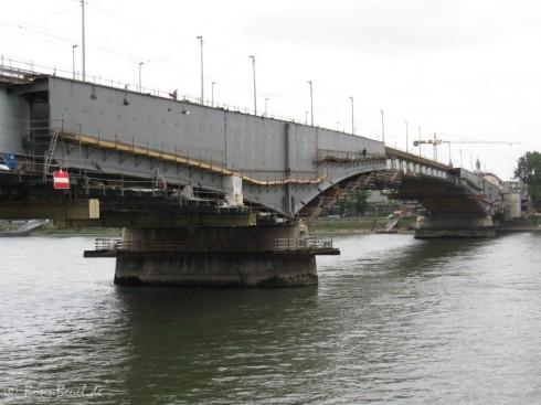 Bonn Kennedybrücke Brückenpfeiler Beuel - 05.06.09