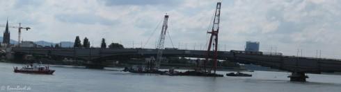 Bonner Kennedybrücke am 23.06.09 - Schwimmkräne