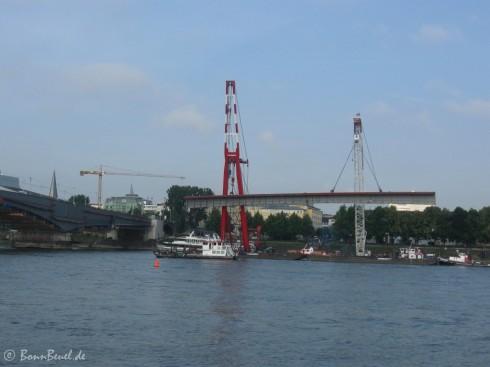 Schwimmkräne Stahlträger am Haken - 23.06.09 (08:00)