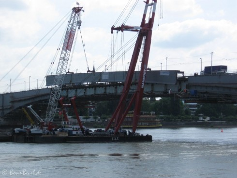 Schwimmkräne Kennedybrücke Bonn - 23.06.09 (11:30)