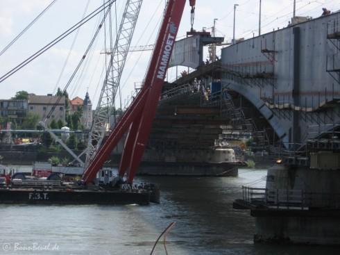 Mittelstück Nordseite Kennedybrücke - Stahlträger (12:00 Uhr)