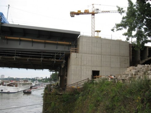 Bonn Kennedybrücke: Übergang Rampenbrücke Bonn