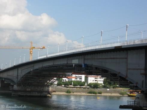 Kennedybrücke Nordseite Geländer Montage am 21.08.09