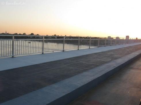 Blick auf den neuen Fuß- & Radweg (Nordseite Kennedybrücke) 24.08.09