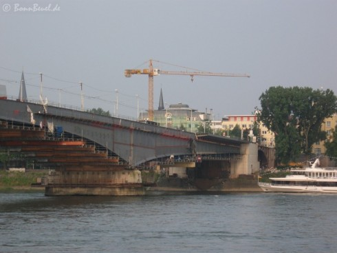 Bonn Kennedybrücke: Blick von Beuel - 29.06.09
