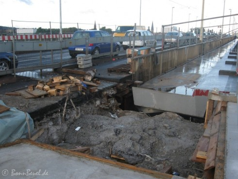 Kennedybrücke Übergang zwischen Brücke und Brückenkopf & neue Brücke