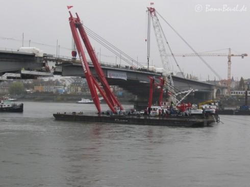 09.11.09 Kennedybrücke: fast fertig