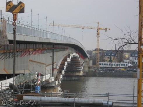 Kennedybrücke Südseite: Blick nach Beuel - 16.12.09