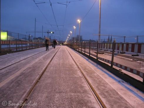 Schnee auf der Kennedybrücke, Blickrichtung Bonn (Oper) Januar '10
