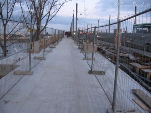 Rad- / Fußweg auf der Nordseite der Kennedybrücke - 18.2.10