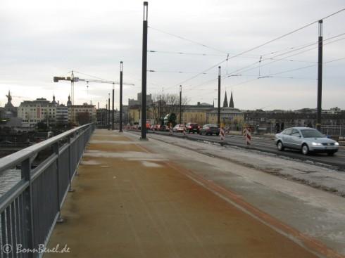 Kennedybrücke fast fertig