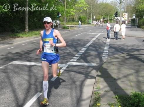 Sieger des 10. Bonn Marathons David Karl