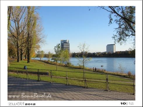 zwölf2012: Oktober- Rheinufer in Beuel